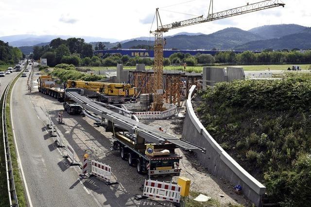 Neue Brücke zum Stadion