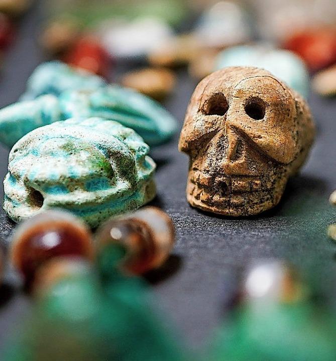 Teil des Fundes: ein kleiner Schädel  | Foto: Cesare Abbate (dpa)