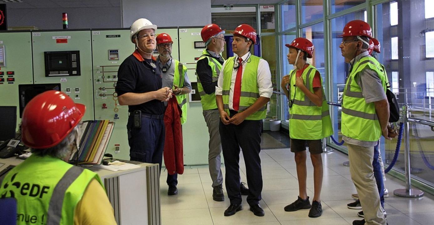 In der Schaltzentrale des Kraftwerks e...en der Stromerzeugung mit Wasserkraft.  | Foto: Christiane Franz