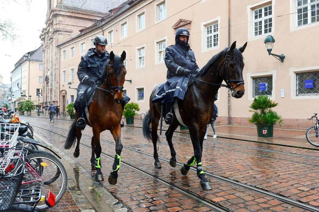 Berittene Polizei in Freiburg  | Foto: Ingo Schneider