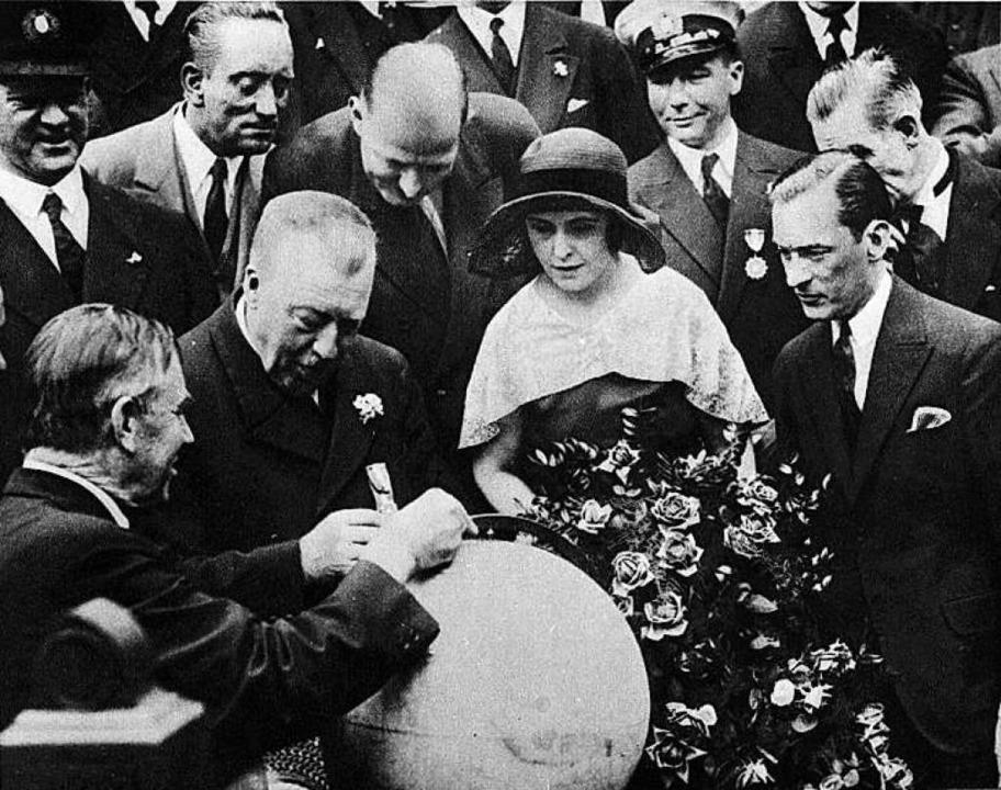 Kommandant Hugo Eckener (2. v. l.) in New York  | Foto: Archiv der Luftschiffbau Zeppelin GmbH, Friedrichshafen