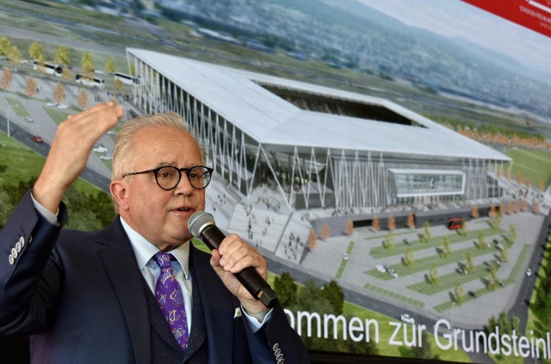 Fritz Keller bei der Grundsteinlegung des neuen SC-Stadions in Freiburg  | Foto: Michael Bamberger