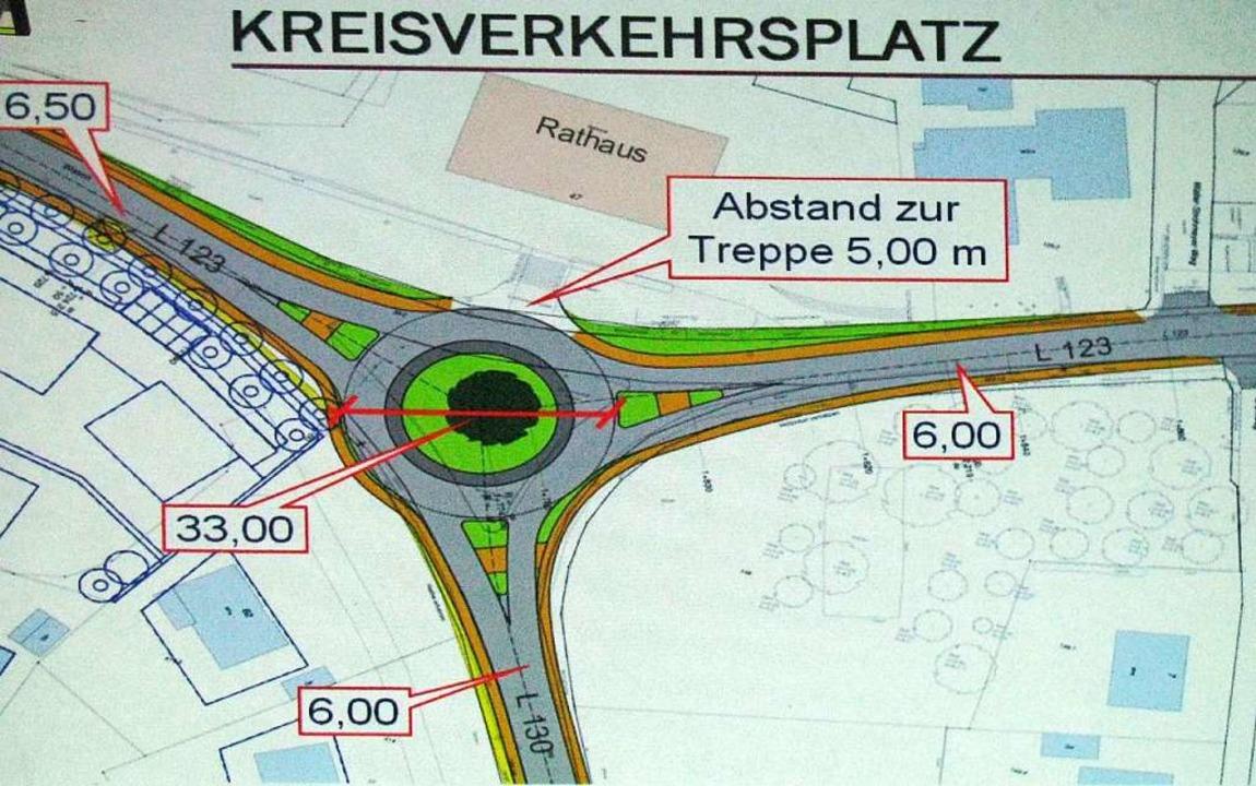 Auf dem Papier gibt es den Kreisel L12...m Rathaus schon fast seit zehn Jahren.  | Foto: Manfred Lange
