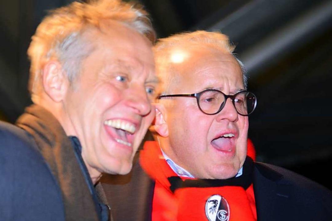 Gemeinsam in Feierlaune: Christian Str...tz Keller bei der Aufstiegsfeier 2016.  | Foto: Achim Keller