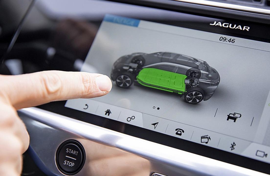 Das elektrische Durchhaltevermögen, al...ist zudem  die passende Versicherung.   | Foto: Florian Schuh (dpa)