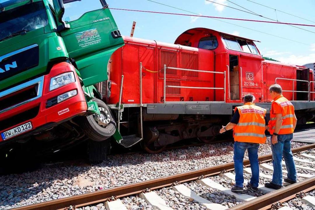 Die Kollision auf der Bahnstrecke am Mittwoch  | Foto: Benedikt Spether (dpa)