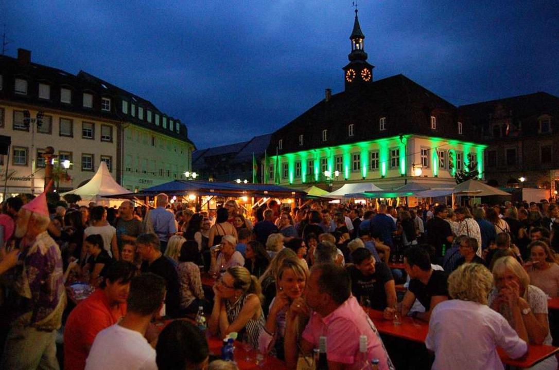Das 48. Breisgauer Weinfest lockt von ... Montag mit 240 Weinen aus der Region.  | Foto: Christian Ringwald