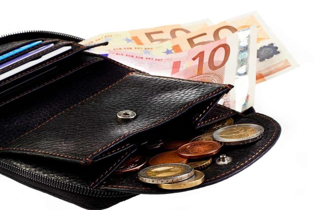 Zur Herausgabe seines Rucksacks und Ge...ann im Mooswald gezwungen. Symbolbild.  | Foto: ©dazarter  (stock.adobe.com)