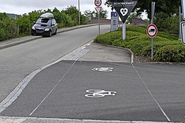 Radwegmarkierung, vielfältig und bunt