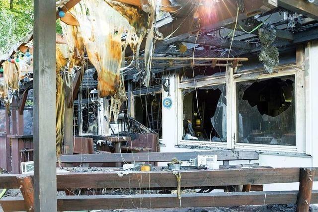 Gaststätte am Gundelfinger Waldstadion durch Feuer zerstört