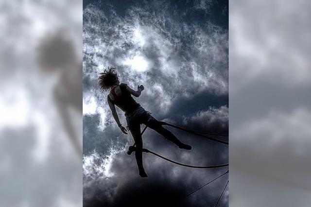 Akrobatik und Musik auf der Straße