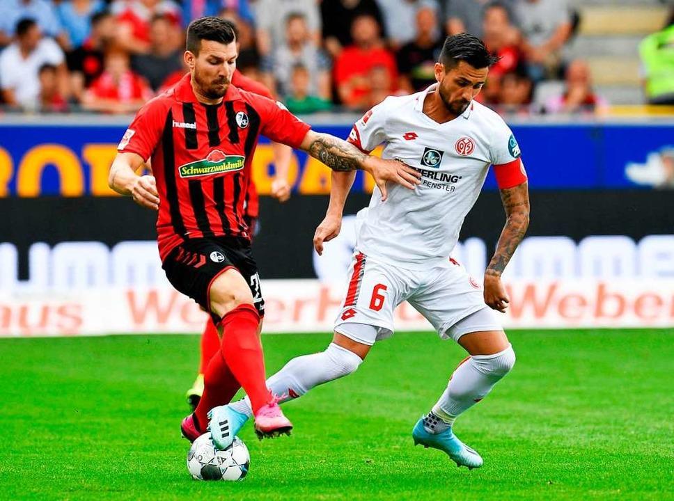 Gegen Mainz 05 weist Jerome Gondorf eine hohe Fehlpassquote auf.  | Foto: THOMAS KIENZLE (AFP)