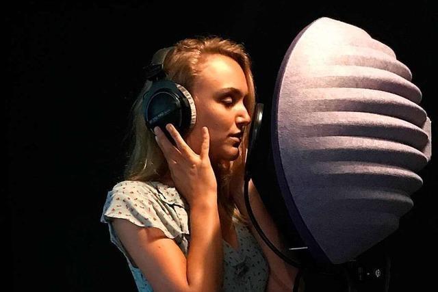 Lynn Hertzner ist eine Sängerin, die jetzt Filme dreht