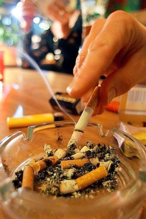Eine falsch ausgedrückte Zigarette hat vermutlich das Feuer verursacht.  | Foto: Peter Steffen