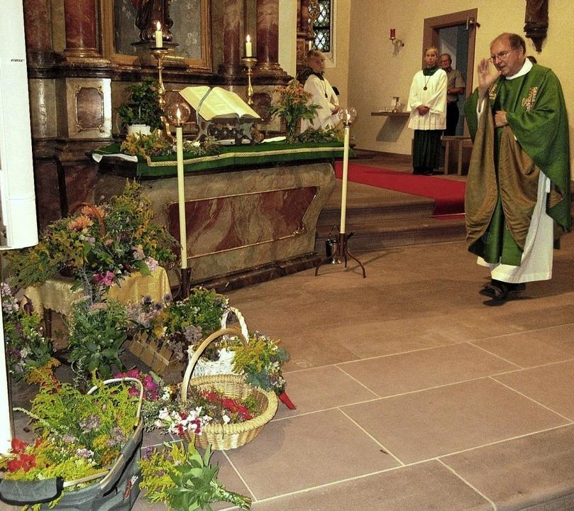 Kritterwih in der Kirche St. Barbara in Nordweil   | Foto: Reiner Merz