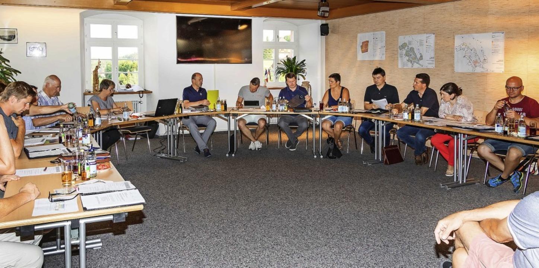 Der Sitzungssaal in Grafenhausen wurde... sondern anderen Möbeln ausgestattet.     Foto: Wilfried Dieckmann