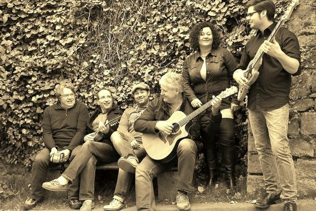 Die Coverband Convoy spielt live im Biergarten der Dammenmühle
