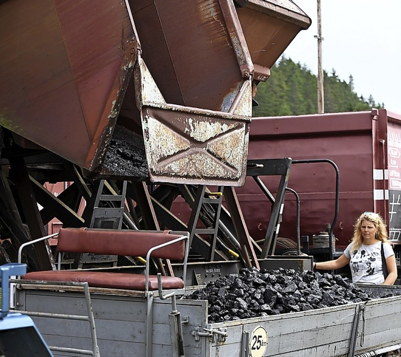 Nachschub aus dem Kohlendepot  | Foto: Wolfgang Scheu