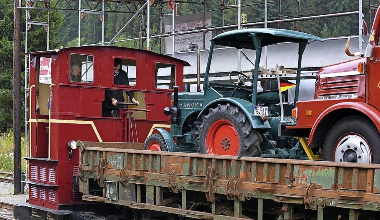 Schwere Lasten für eine kleine Lok.  | Foto: Wolfgang Scheu