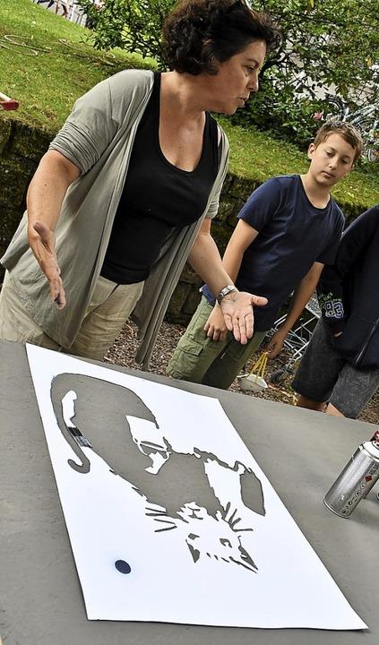 Beate Fahrnländer leitete gerade einen Graffito-Workshop im Werkraum Schöpflin.    Foto: Barbara Ruda