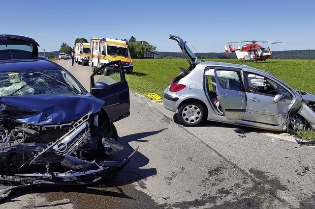 Fünf Verletzte bei Unfall