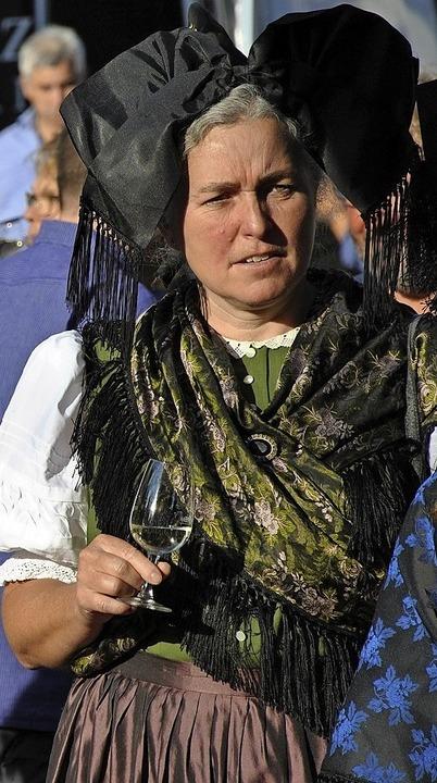 Trachtenträgerin bei der Festeröffnung  | Foto: Ralph Fautz