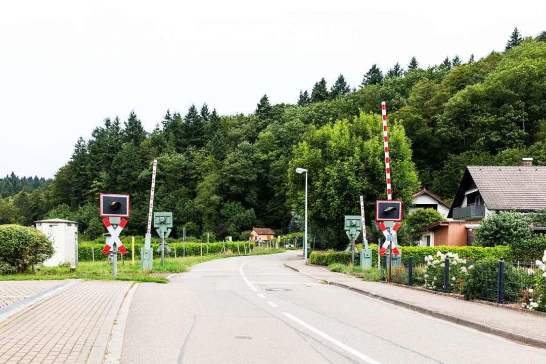 Der Bahnübergang Rappeneckerstraße ist...kung Waldkirch umgebaut werden müssen.    Foto: Gabriele Zahn