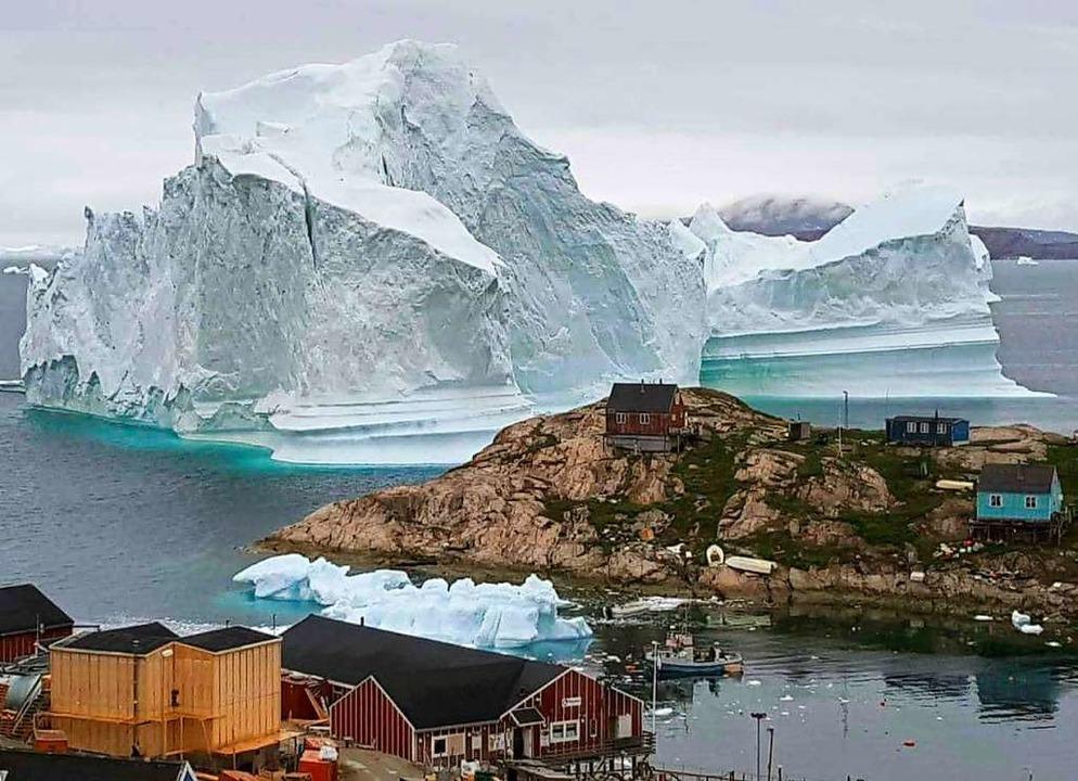 Eisberge können hunderte Millionen Tonnen wiegen.  | Foto: Karl Petersen (dpa)