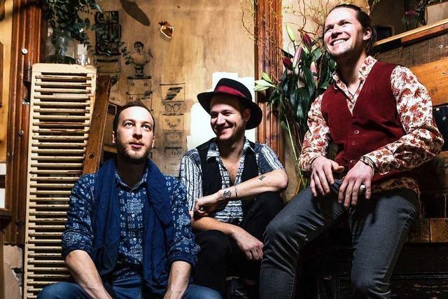 Die Band The Trouble Notes plant eine Guerilla-Aktion auf der KaJo