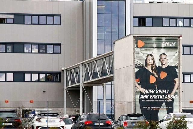 BZ-Leserinnen und -Leser besuchen Zalando in Lahr