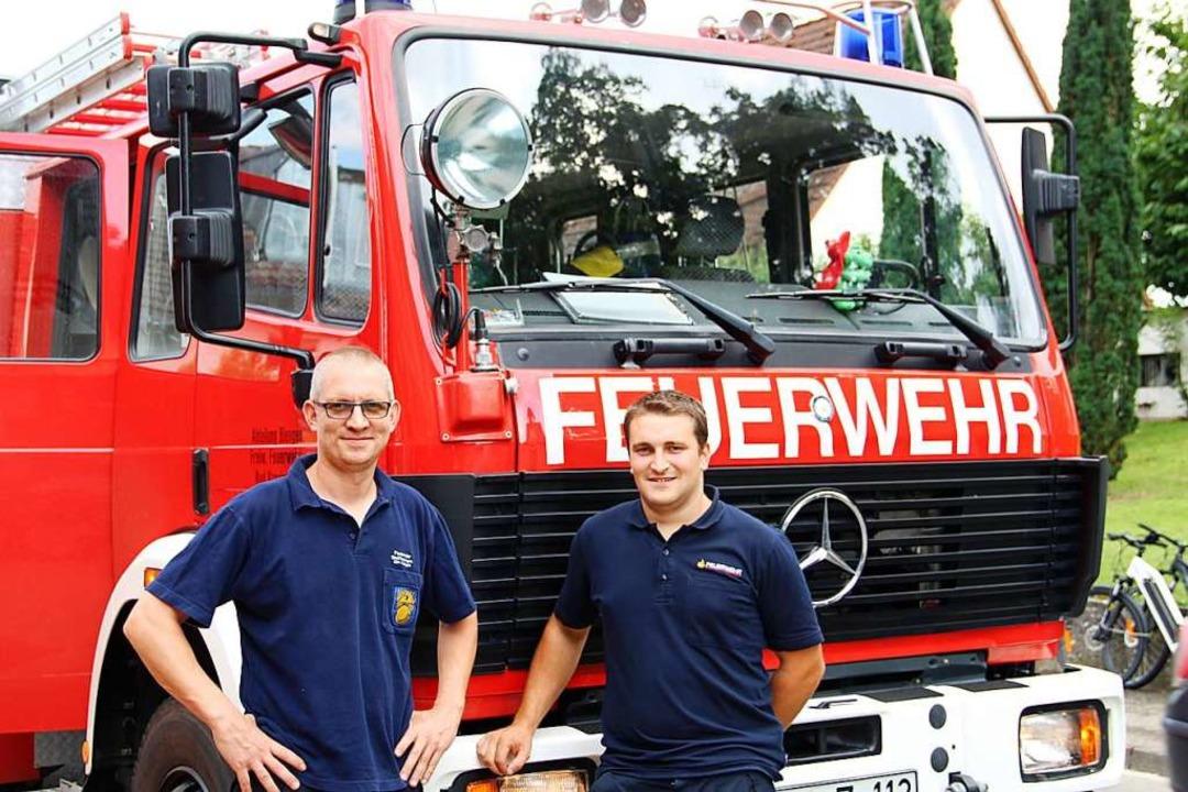 Fredo Garel und Julius Müller zeigten ...e es ist im Löschfahrzeug mitzufahren.  | Foto: Theresa Ogando