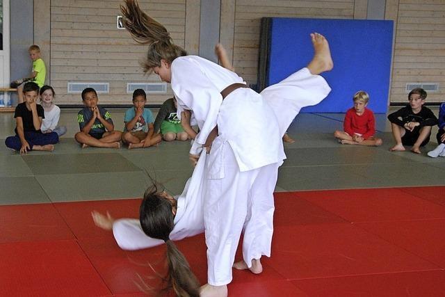 Freizeitverein bietet Tanzsport, Judo und Fußball an