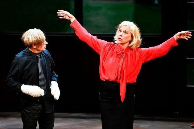 Kosminski inszeniert die Uraufführung von Theresia Walsers