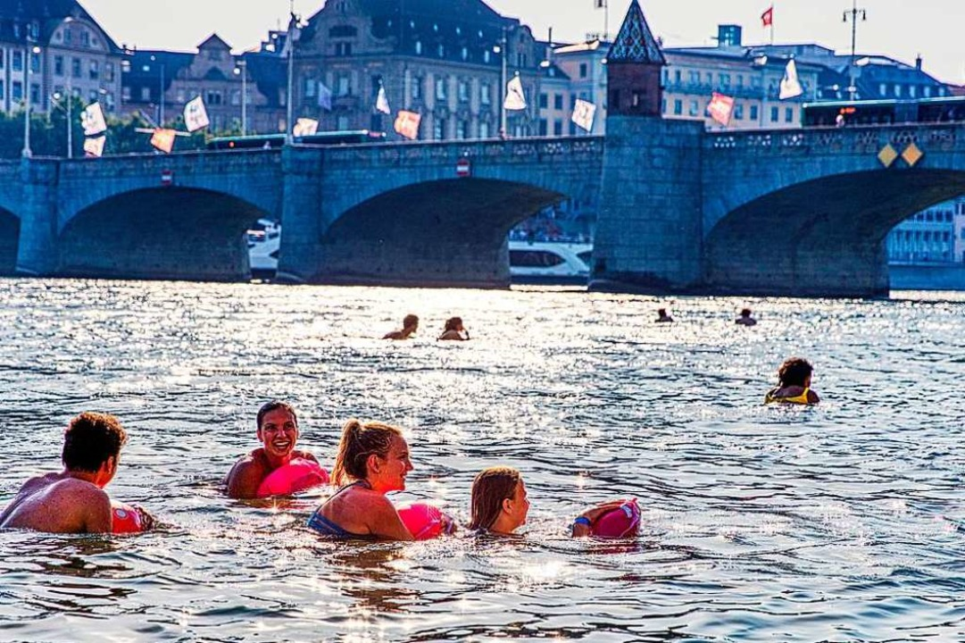 Das große Basler Rheinschwimmen fällt dieses Jahr ins Wasser (Symbolbild).  | Foto: Basel Tourismus