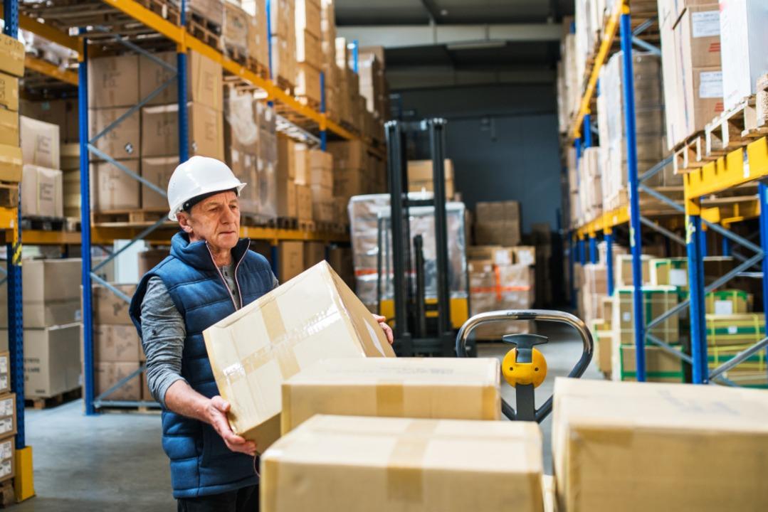Viele Rentner sind in Betrieben begehrt.  | Foto: Halfpoint/Adobe Stock
