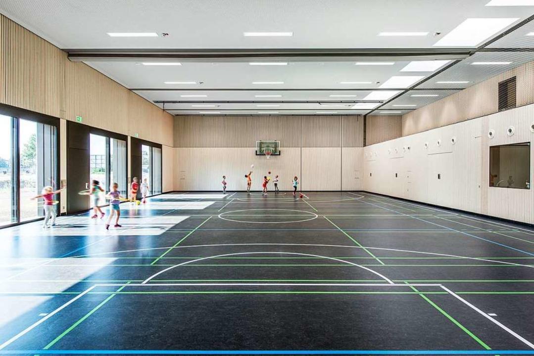 Eine Turnhalle mit viel Licht, aber ohne Schnörkel.    Foto: Olaf Herzog