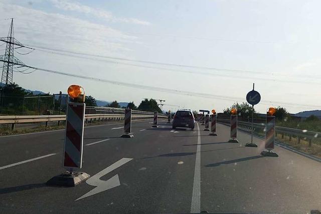 Die Abbiegespur zur Autobahn bei Rheinfelden bleibt weiter verkürzt