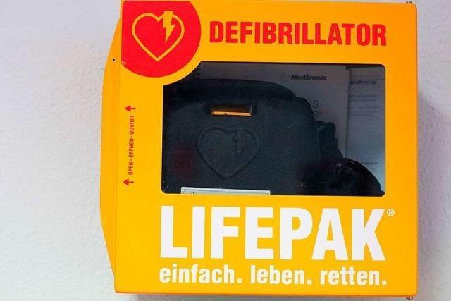 Das DRK in March bietet Kurse an, wie man Defibrillatoren benutzt