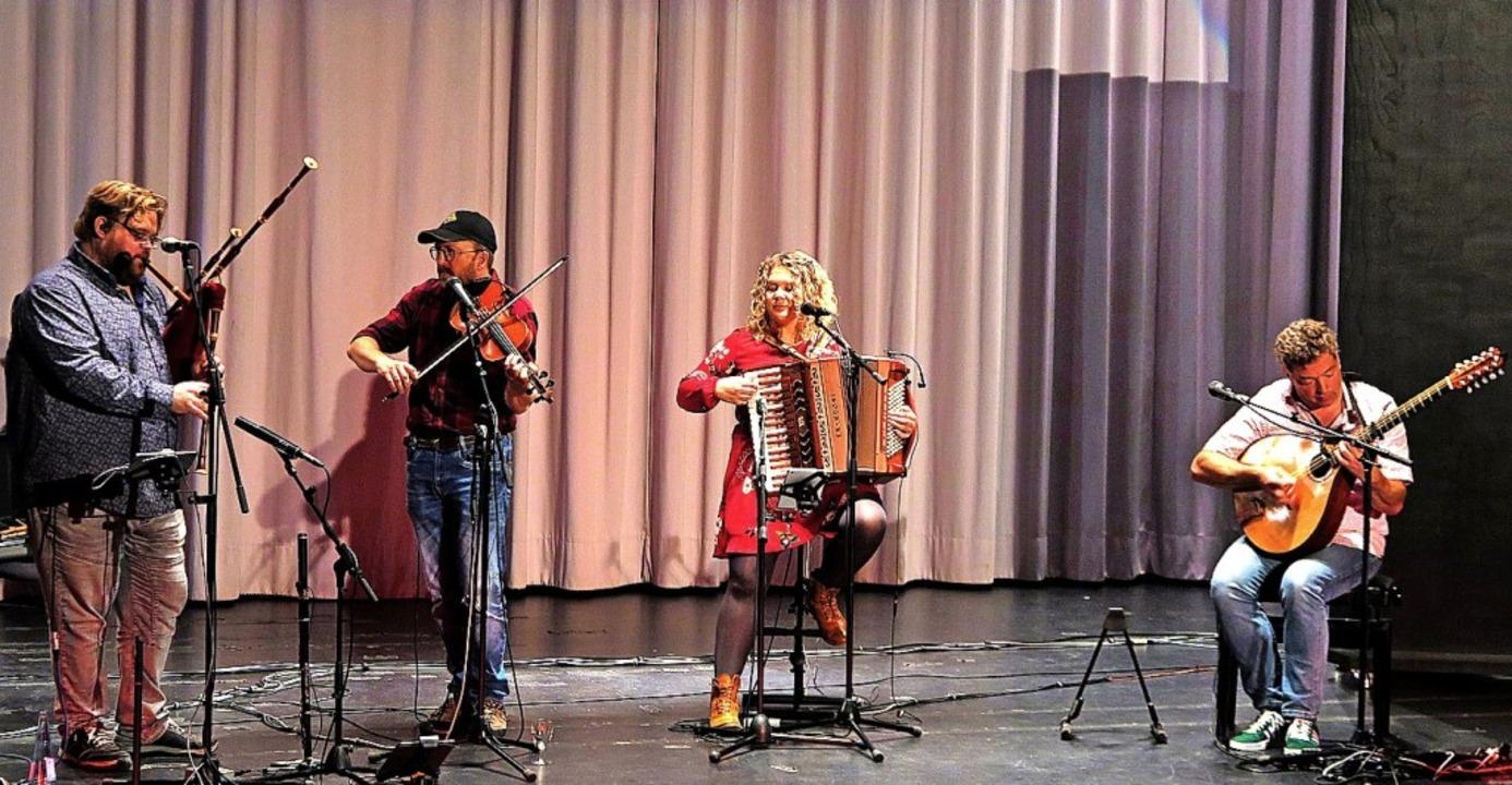 Klänge und Rhythmen aus dem Norden Eur...lchau, Franzi Müller und Tobias Kurig   | Foto: Dorothee Philipp