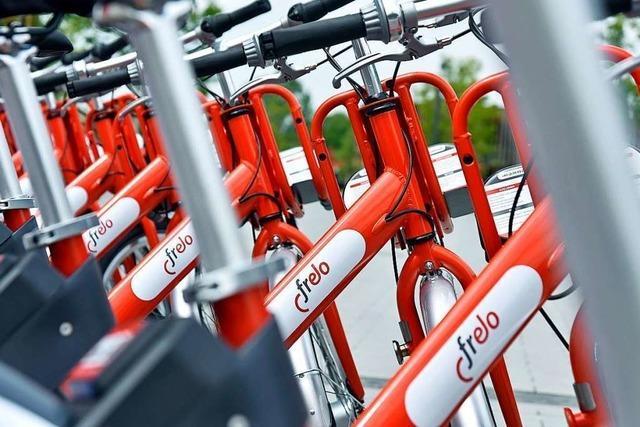 Um die Klingel an den Fahrrädern von Frelo zu finden, muss man schon genau hinschauen