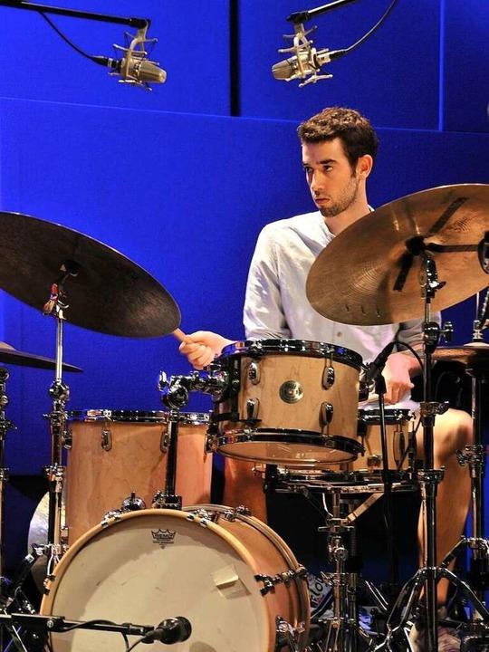 Mit 25 bereits Profi am Schlagzeug: Dominik Hoyer.    Foto: Privat