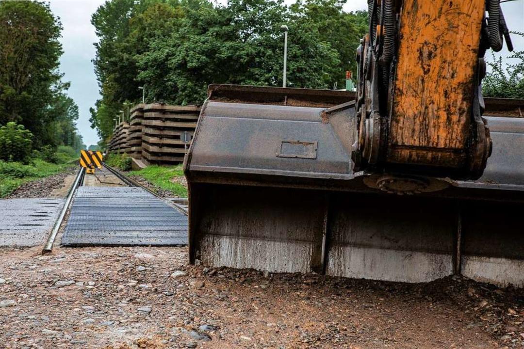 Die Bauarbeiten auf der  Breisacher Ba...nnte  sich um einige Wochen verzögern.  | Foto: Hubert Gemmert