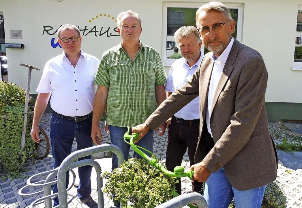 Jürgen Grether und Dieter Vollmer (bei...önbett und Armin Schuster (von links).  | Foto: Privat