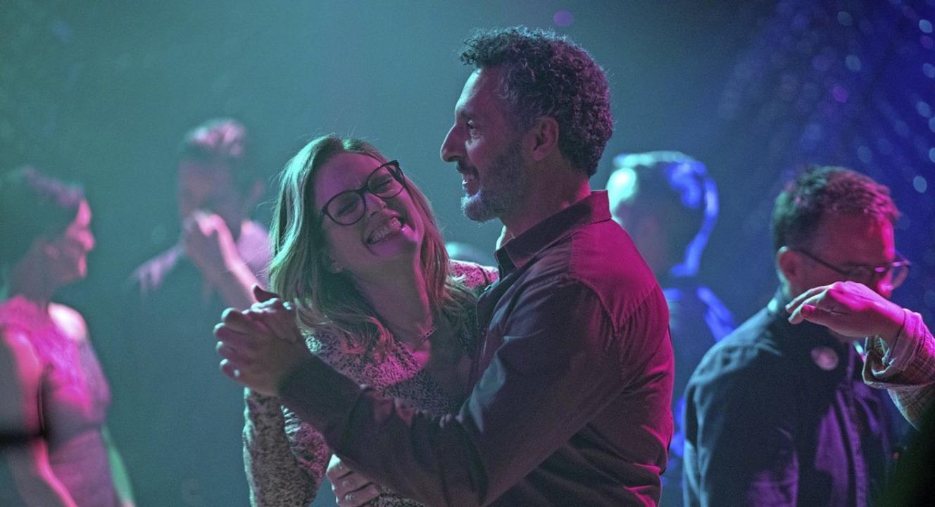 Verliebt auf der Tanzfläche: Gloria (Julianne Moore) und Arnold (John Turturro)  | Foto: - (dpa)