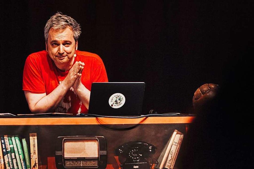 Der TV-Moderator Arnd Zeigler beschein...  das Fehlen jeglicher Großmannssucht.    Foto: Max Hartmann