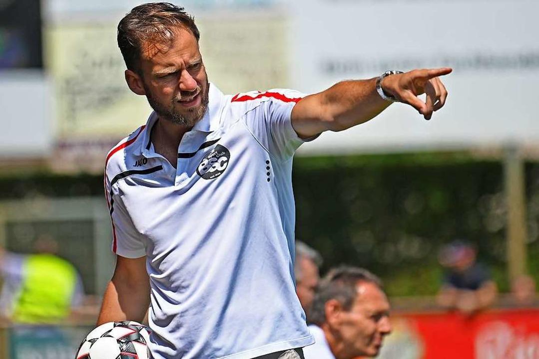 Bernhard Wiesler, Sportlicher Leiter d...ig die sportliche Emanzipation vom SC.    Foto: Patrick Seeger