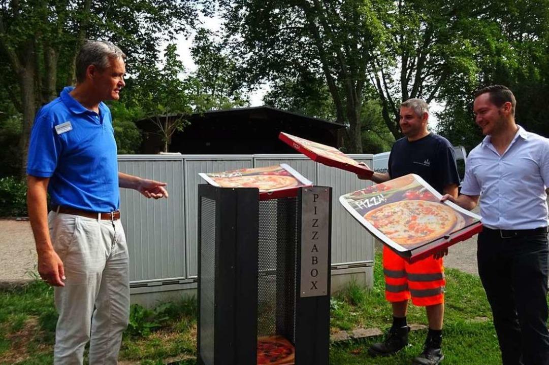 Die ersten Pizzaschachteln fliegen in ...Stadt) hoffen nun auf mehr Sauberkeit.  | Foto: Stadt Waldkirch