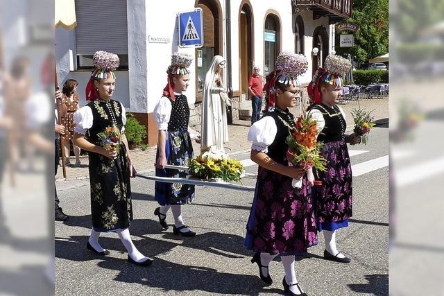 Oberprechtal feierte mit Prozession Patrozinium