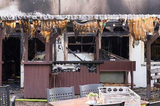 Polizei: Technischer Defekt war Brandursache im Gundelfinger Waldstadion