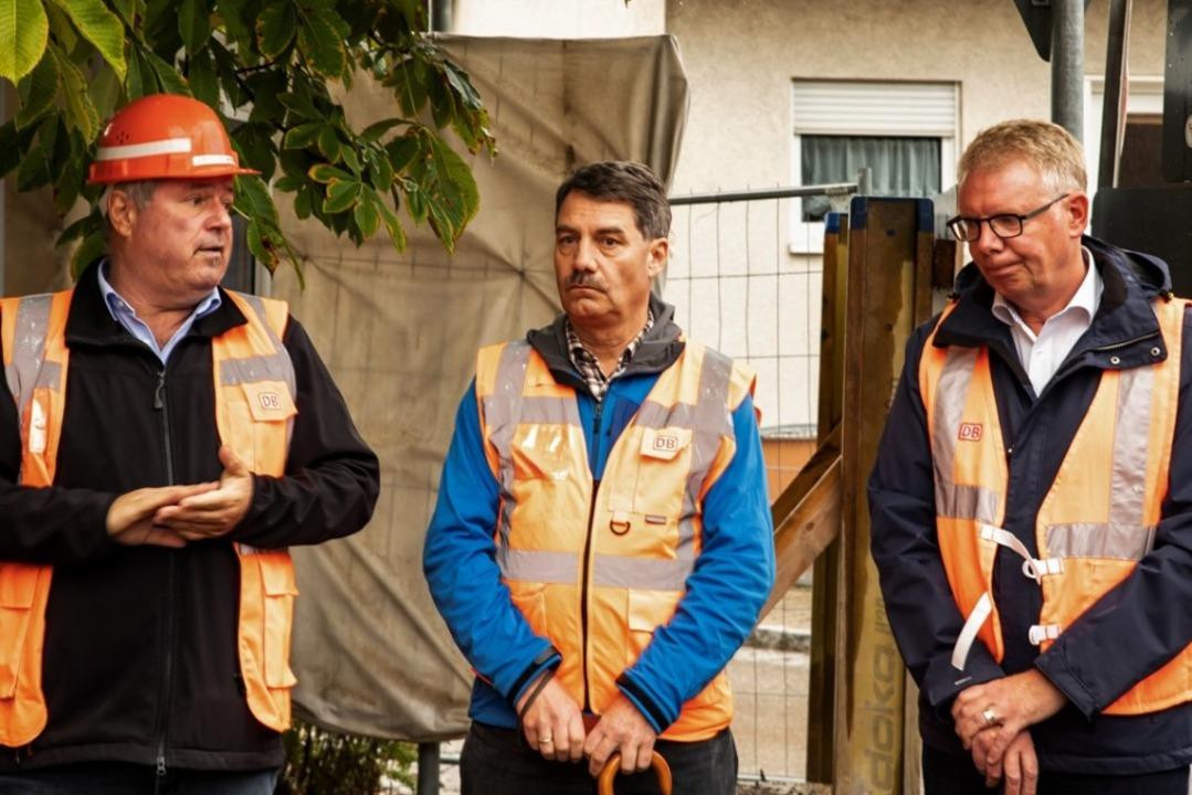 Dialog auf der Gottenheimer Baustelle:...und Bürgermeister Christian Riesterer.  | Foto: Hubert Gemmert